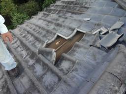 台風被害の屋根